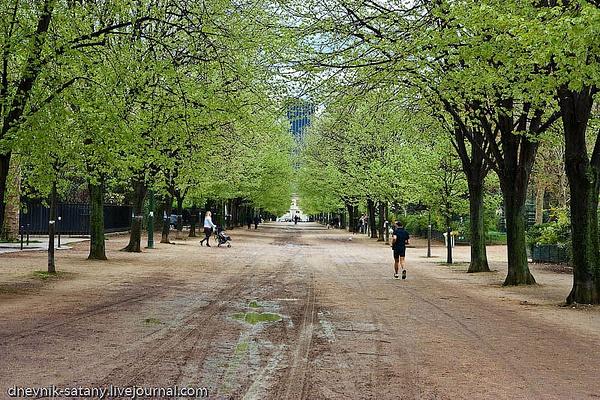 Paris-(112-of-330) by Sergey Kokovenko