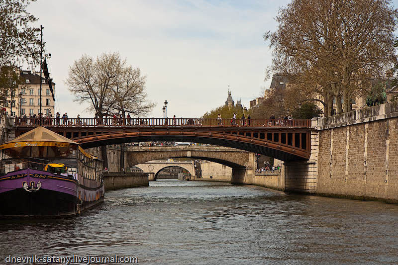 Paris-(269-of-330)