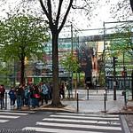 Paris: Museum Branli