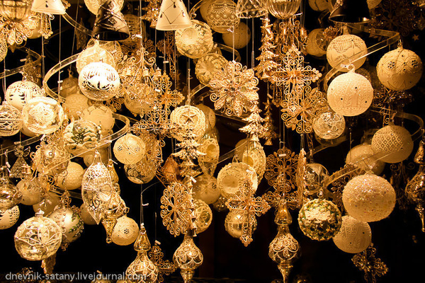 Vienna: Christmas by Sergey Kokovenko by Sergey Kokovenko