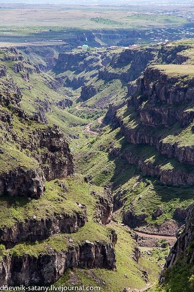 Armenia: Amberd by Sergey Kokovenko