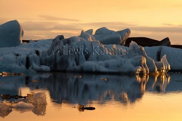 Sunrise #10, Icebergs by Lewis Kemper
