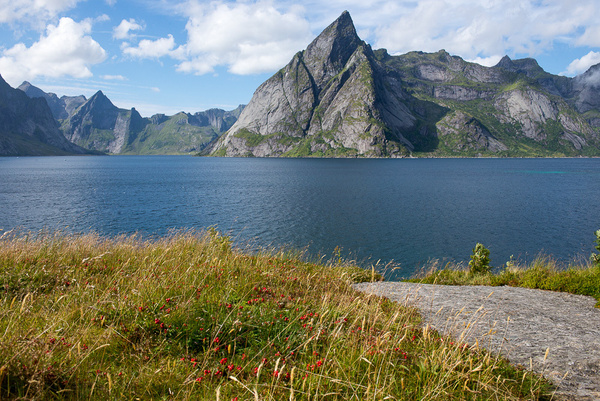 Lofoten Islands 2013 by Muzzyenn