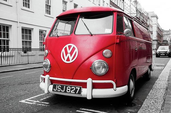 London 2011 by Muzzyenn