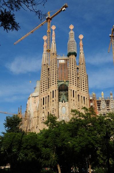 Gaude's Sagrada Familio by Marv Ferg