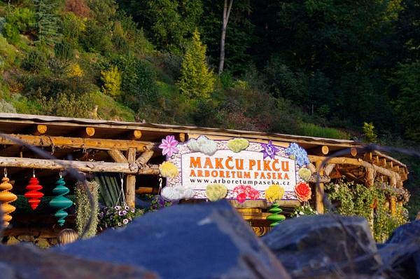 Arboretum Makču Pikču/Paseka by Ambienta