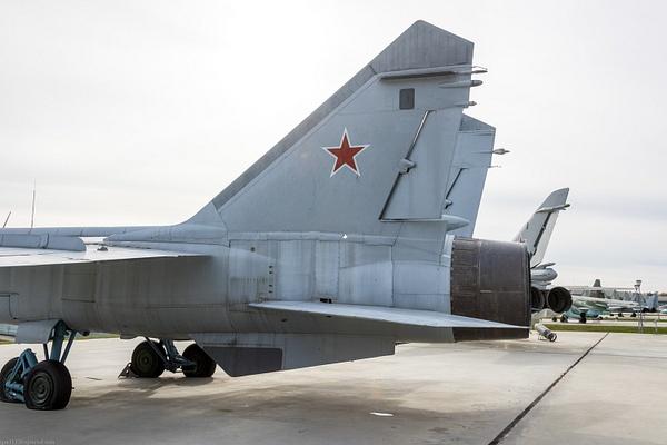 BA5I8043 by IgorKolokolov