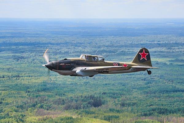 Ил-2 над Новгородом от БЛ...