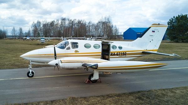 Cessna-414 by IgorKolokolov
