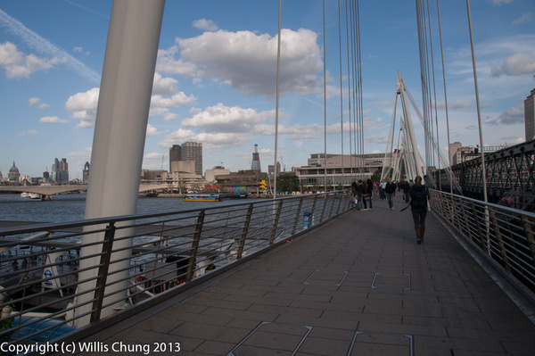 Taking a walk along the Thames by Willis Chung