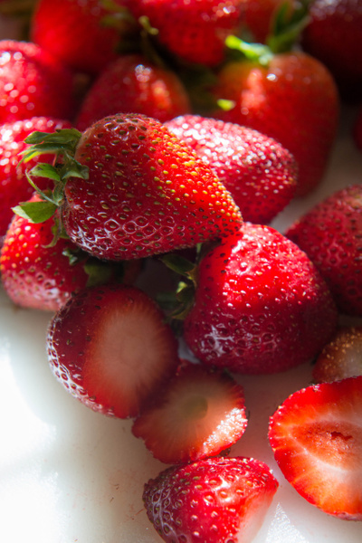 2015Aug Strawberries at breakfast by Willis Chung by...