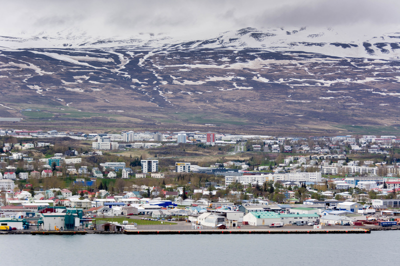 There are apparently 5 police officers on call for Akureyri, population 17,304 in 2008.  Looks nice!