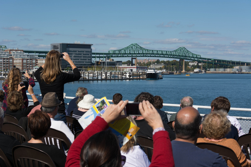 I have never seen so many people take photos of an average bridge...  This is the Tobin Bridge.