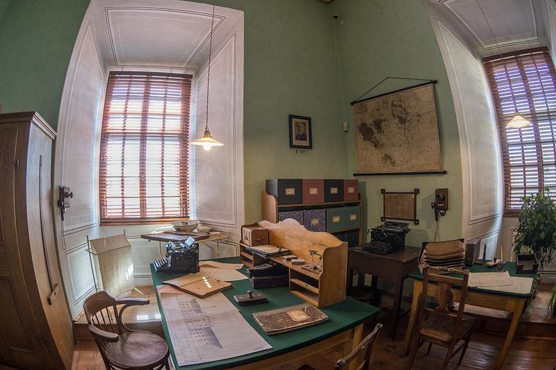 Very organized office.