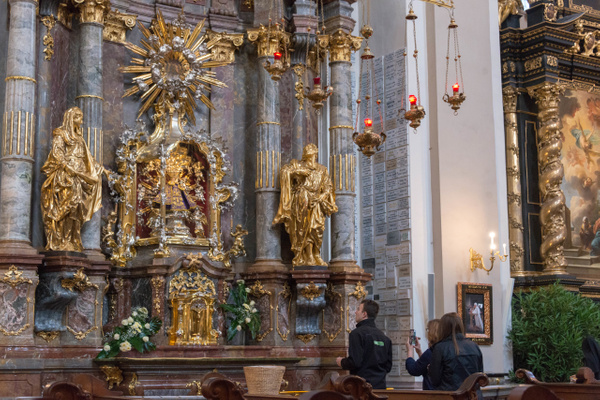 Day 6 PM Infant Jesus of Prague, Mandarin Oriental by...