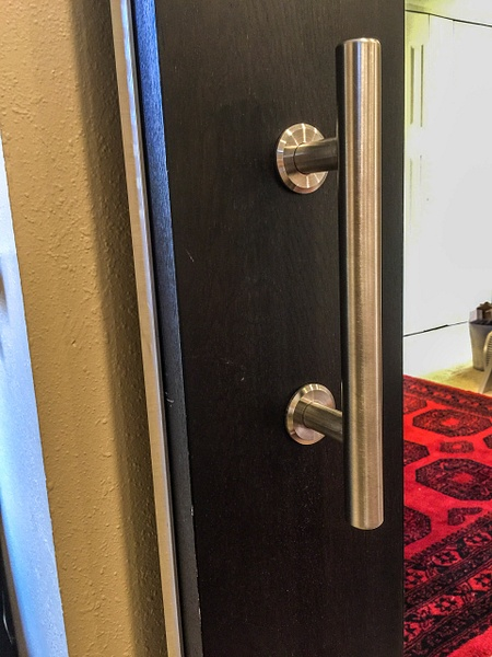 Door handle installed on front. by Willis Chung