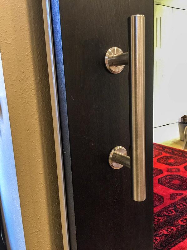 Door handle installed on front.