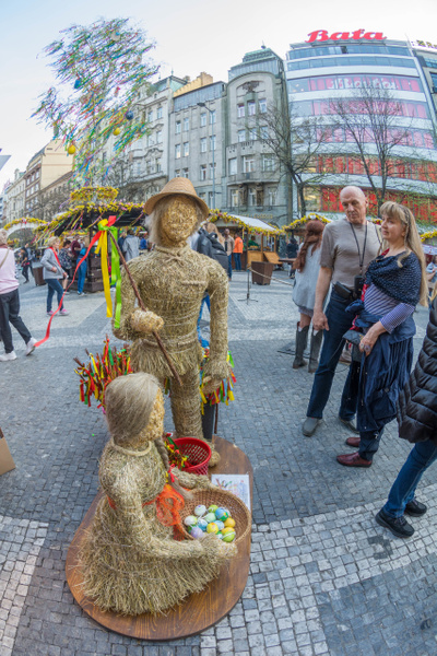 Day 9 PM Wenceslas Square Easter Market by Willis Chung