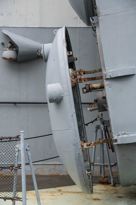 The rear hatch of launcher 3 on the Hiddensee is opened for inspection.