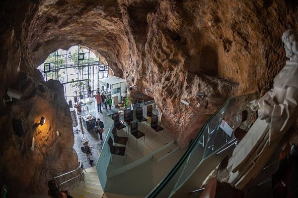 Day 4: AM Gellért Hill Cave by Willis Chung