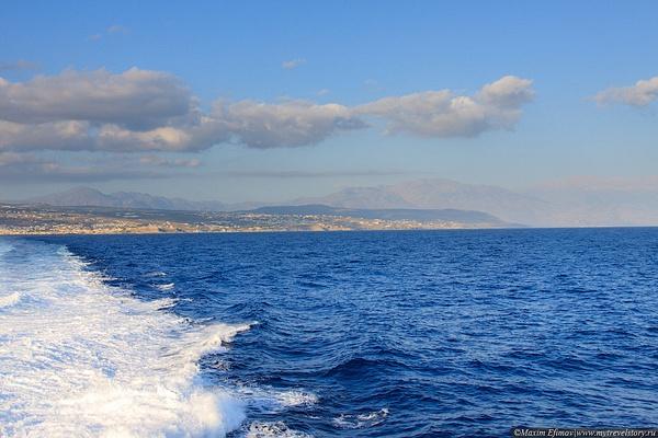 Santorini by MaximEfimov