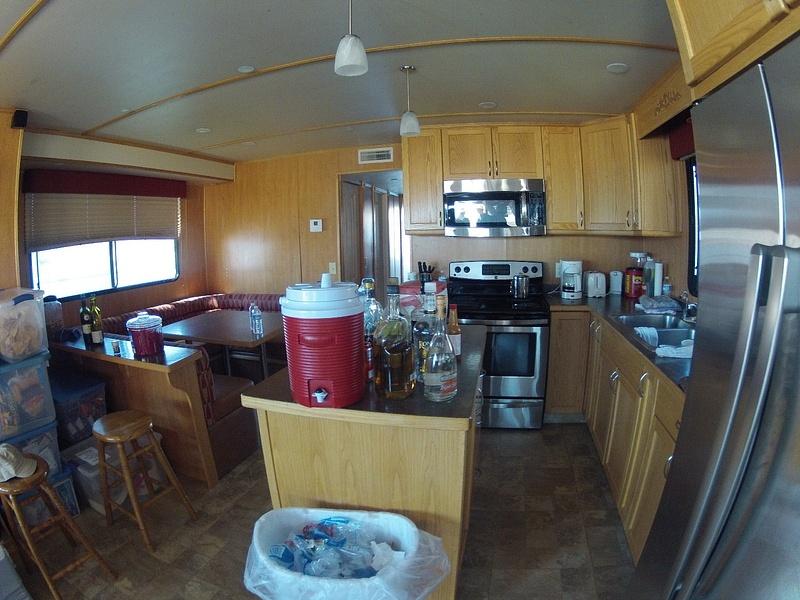 houseboat_life_2