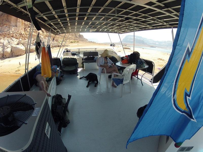 houseboat_life