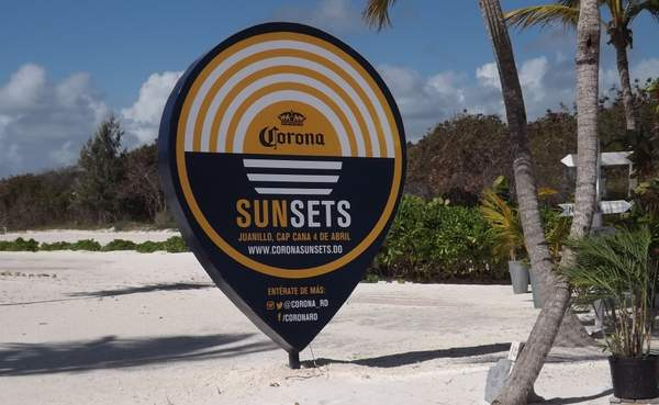 Sunsets Bar & Grill on Juanillo Beach