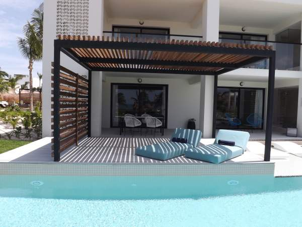 Finest Club Imperial Pool Suite (