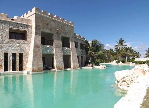 Castle Swim Up Suites (9)
