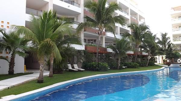 Pool #8 @ EPM