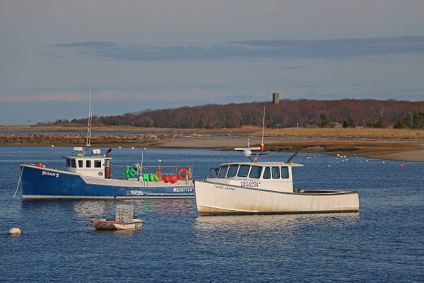 Aa active fleet of lobster boats still operate from Cohasset Harbor