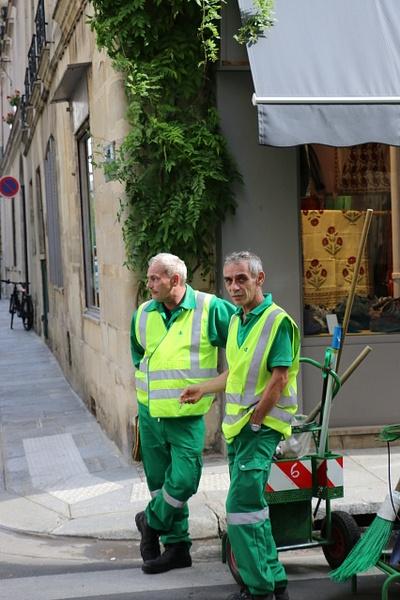 Street scene: Paris street cleaners hard at work