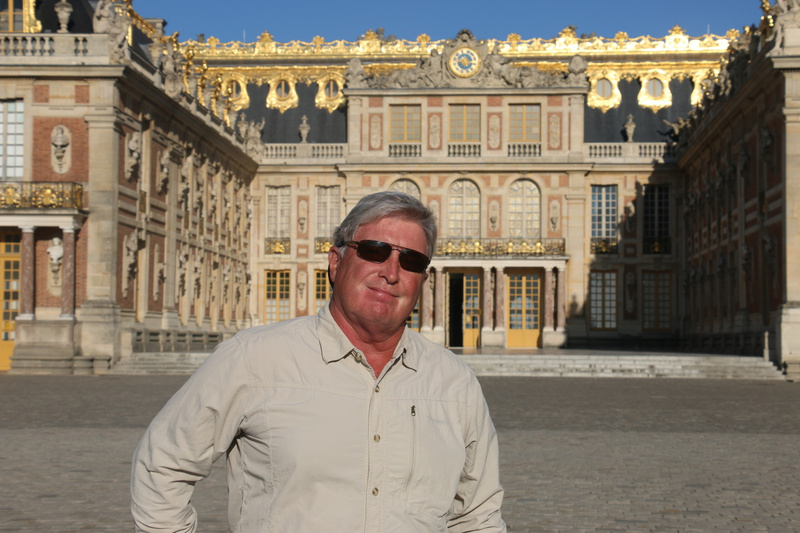 Versailles-Tom in front of the marble court and King's suite