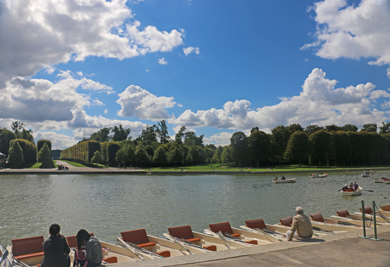 The Gardens of Versailles-Boat rentals on the Grand Canal