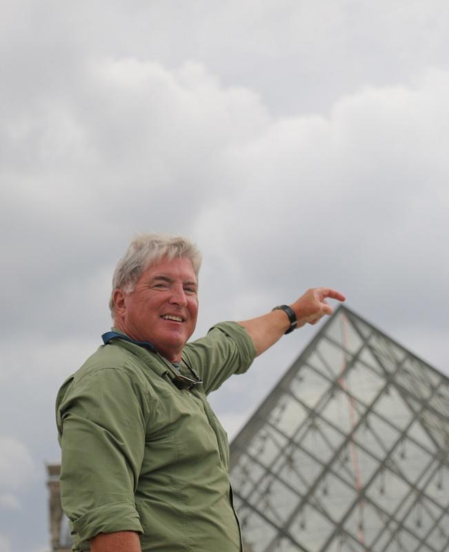 Tom touching Pei's pyramid