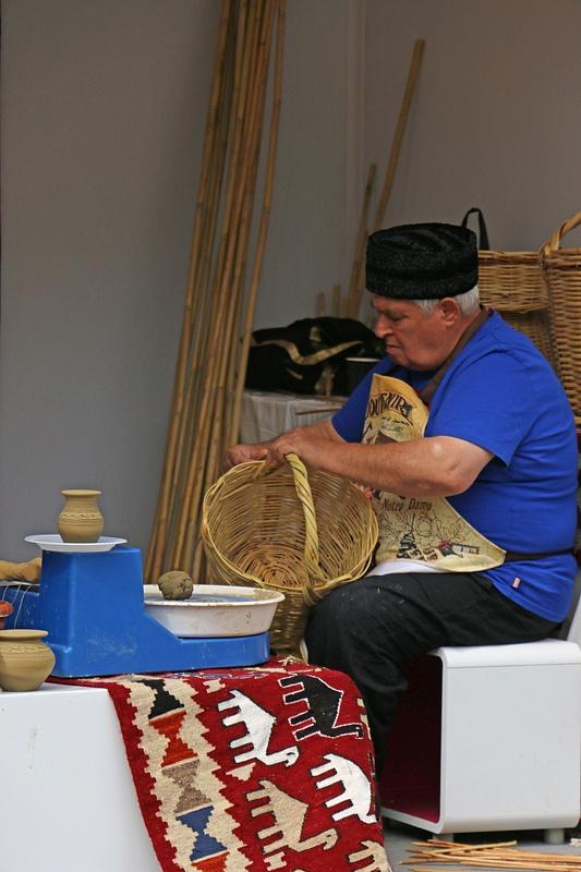 An Azerbaijani craftsman in Paris