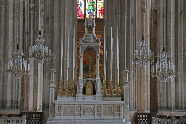 Church of St Eustace-The Altar