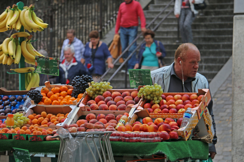 Fruit vendor near the Montmarte Funicular
