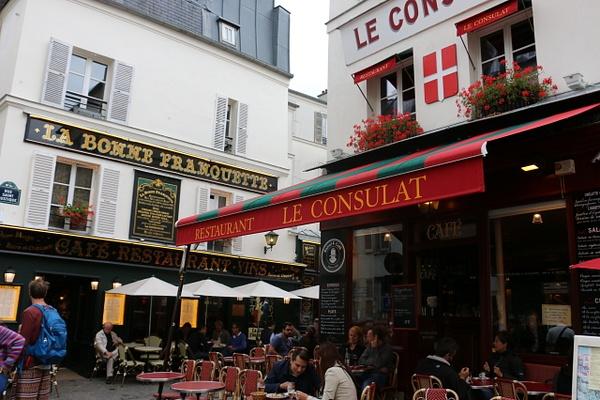 A Montmarte cafe