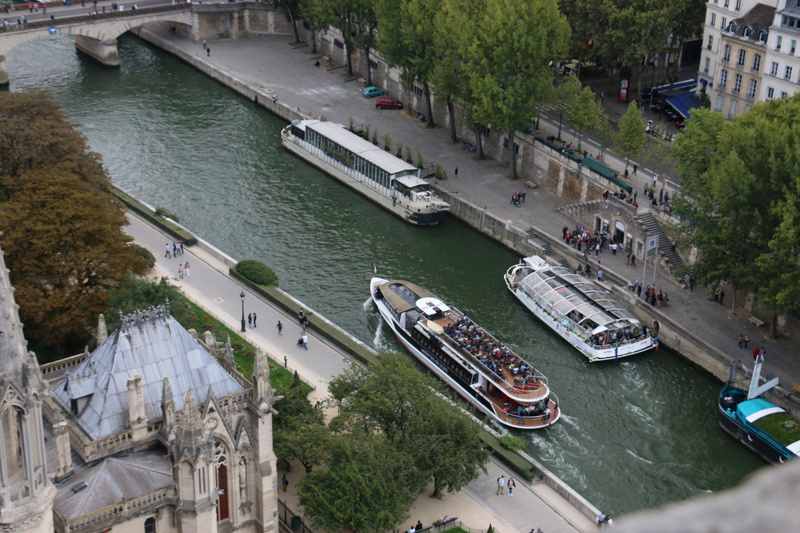 Cruise boats on the Seine