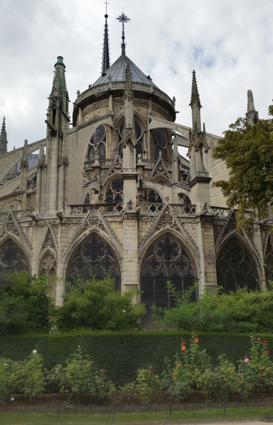 Exterior view of Notre Dame's ambulatory