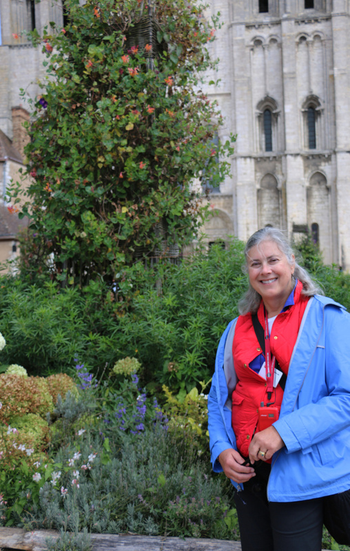 Georgia in the gardens of Chartres