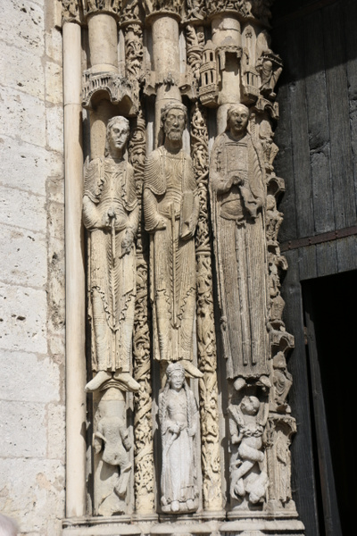 Chartres Cathedral-Jamb statues of Saints