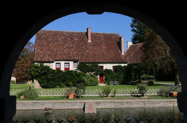 Sixteenth Century Farm-Farmer's residence