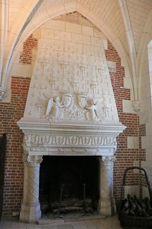 Château d'Amboise-Royal fireplace