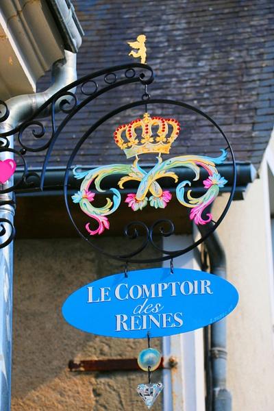 Le Comptoir des Reines-'The Tavern of Kings'