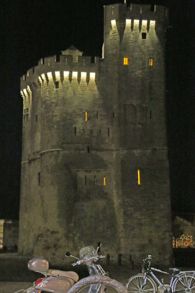 Saint Nicolas Tower at night