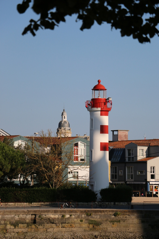 The Red Lighthouse, La Rochelle