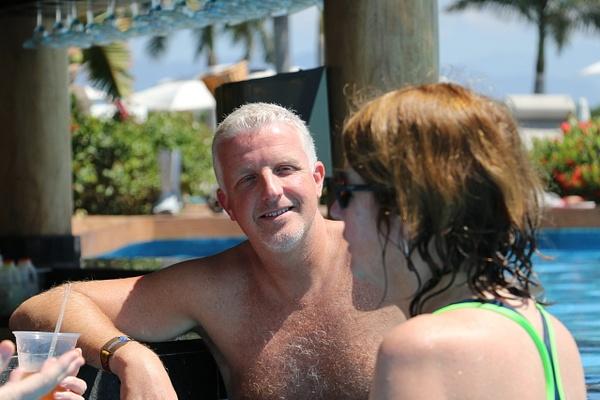 Riveting conversation at La Punta pool bar (Monday)